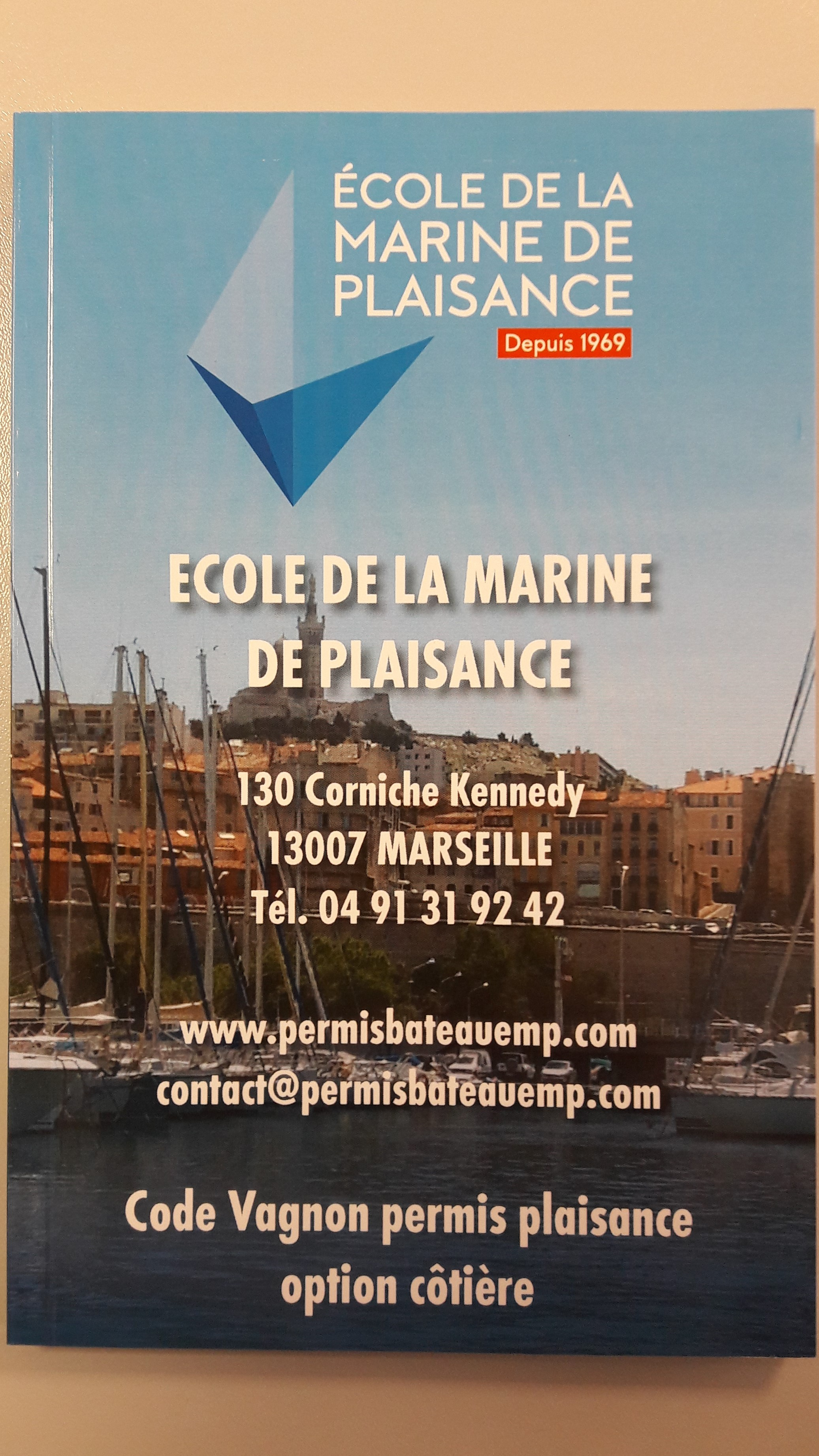 livre de code c tier permis bateau marseille en acc l r ecole de la marine de plaisance. Black Bedroom Furniture Sets. Home Design Ideas